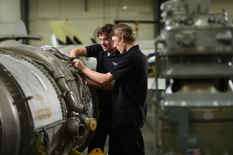 Photo: aviation students working